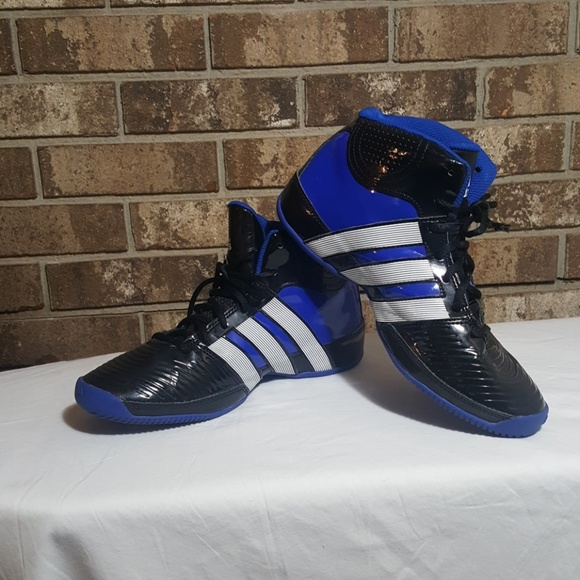 Clearance Adidas Commander TD 4 Herres basketballsko Euc Commander Td 4 Mens Basketball Poshmark